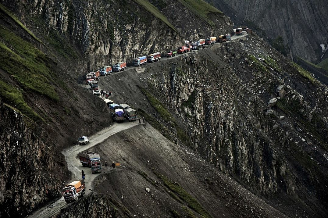 Zojila-Pass-INDE-route-insolite-dangereuse