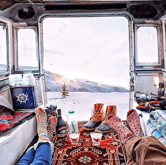 skier pas cher partir au ski en camping car ou caravane chainesbox. Black Bedroom Furniture Sets. Home Design Ideas